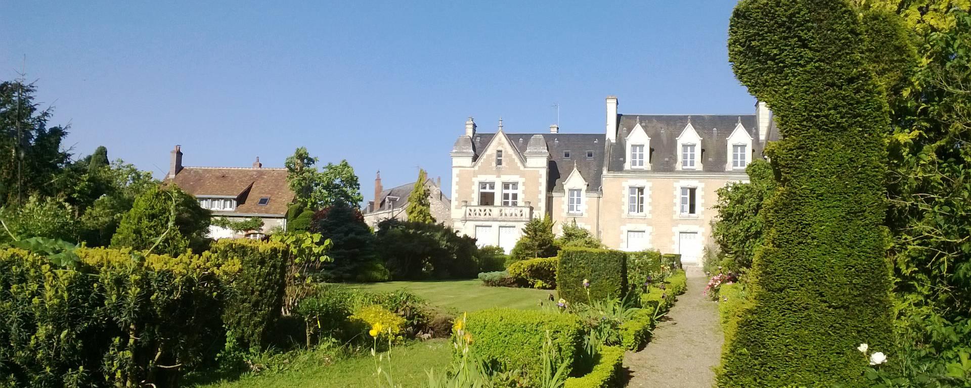 Le parc du prieuré d'Orchaise près de Blois