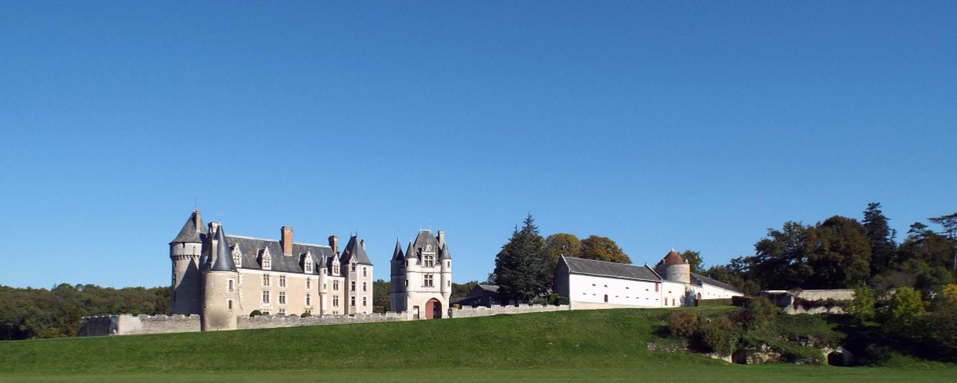 Außenansicht von Schloss Montpoupon © OTBC