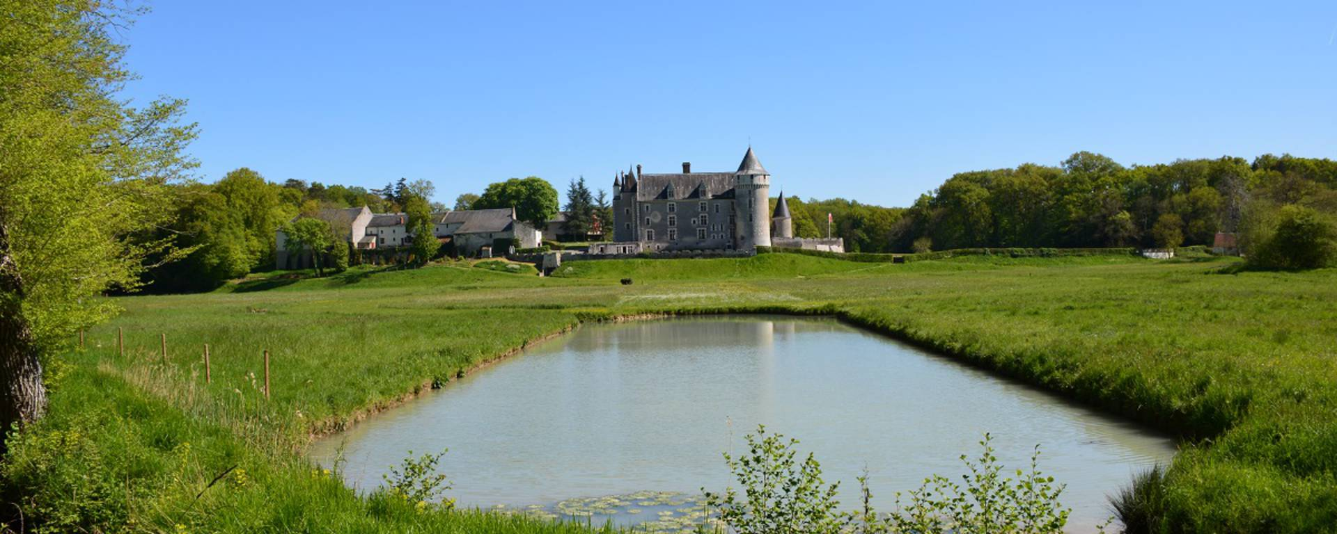 Teichanlage bei Schloss Montpoupon  © OTBC