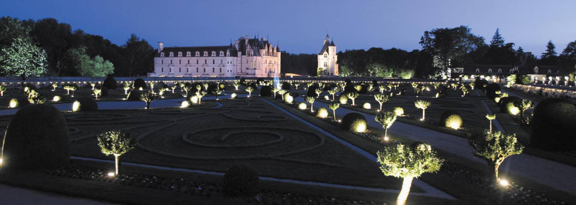 Schloss Chenonceau bei Nacht © Images de Marc