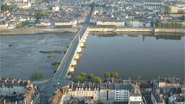 La pont Jacques Gabriel de la ville de Blois