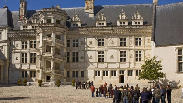 Der Innenhof von Blois Schloss