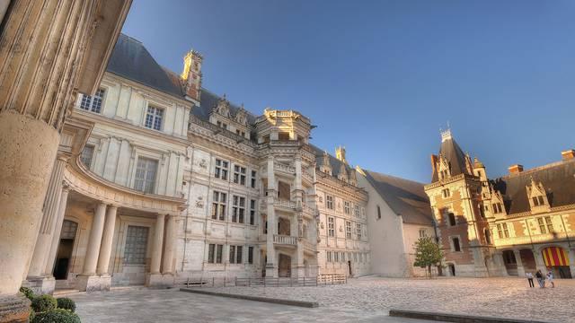 Das königliche Schloss von Blois © L. de Serres