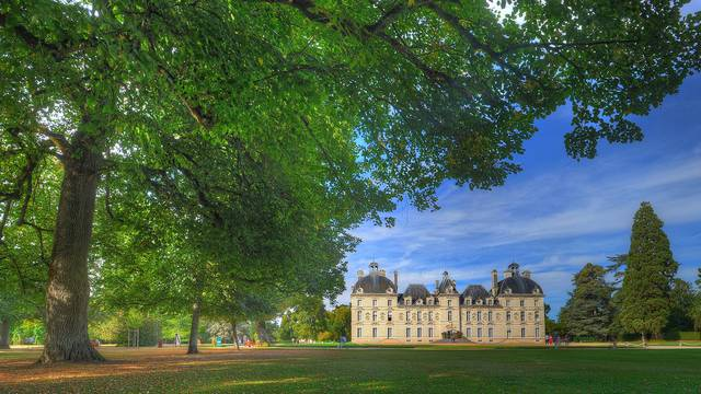 Cheverny Schloss © L. de Serres