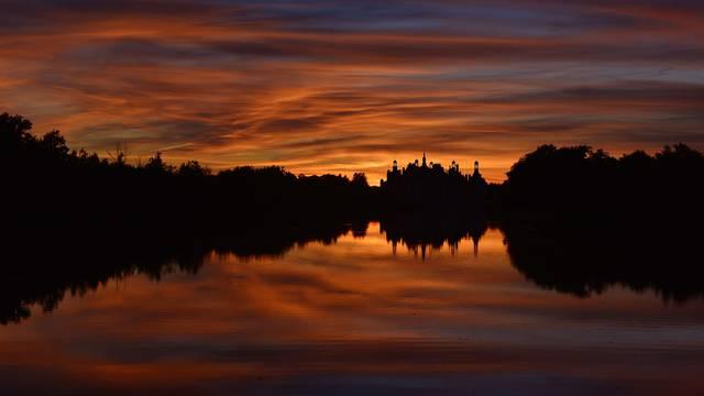Chambord bei Sonnenuntergang © L. de Serres