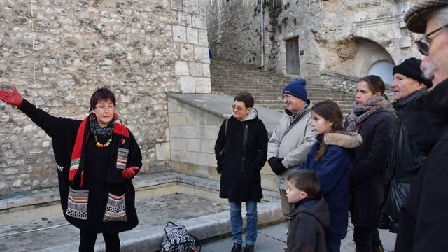 Geschichtenerzähler auf dem Place Louis XII in Blois. © OTBC