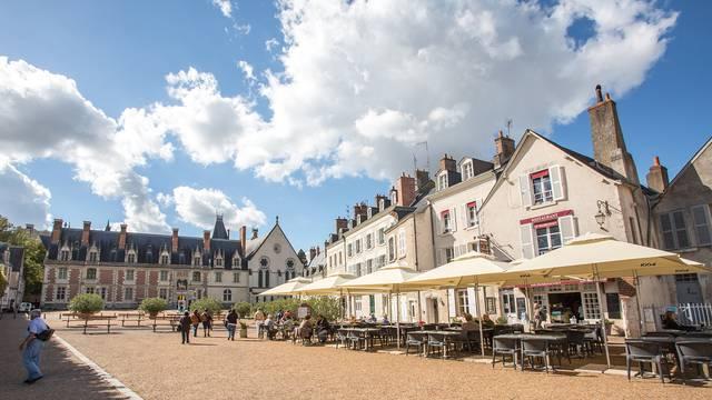 Der Schlossplatz in Blois