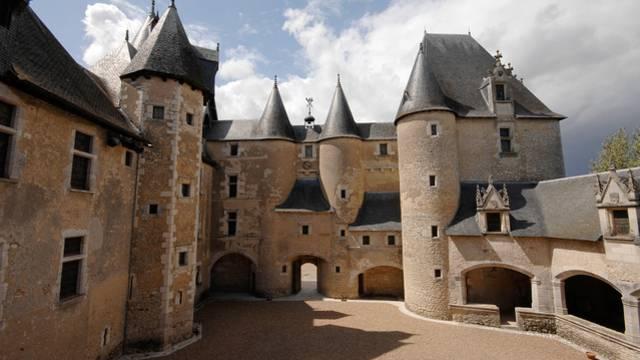 Das Schloss von Fougères-sur-Bièvre © P. Berthé - CMN-Paris