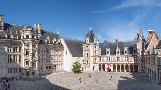 Hof des Königsschlosses von Blois