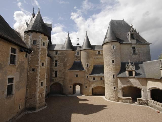 Das Schloss von Fougères-sur-Bièvre. © OTBC