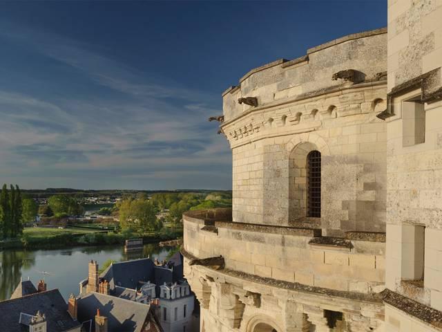 Schloss Amboise hoch über der Loire © OTBC