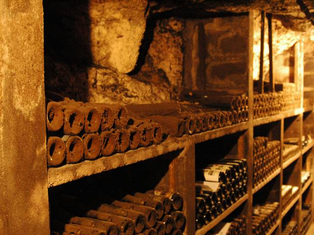 """Der Weinkeller """"Cave du Père Auguste"""" im Loire-Tal © OTBC"""