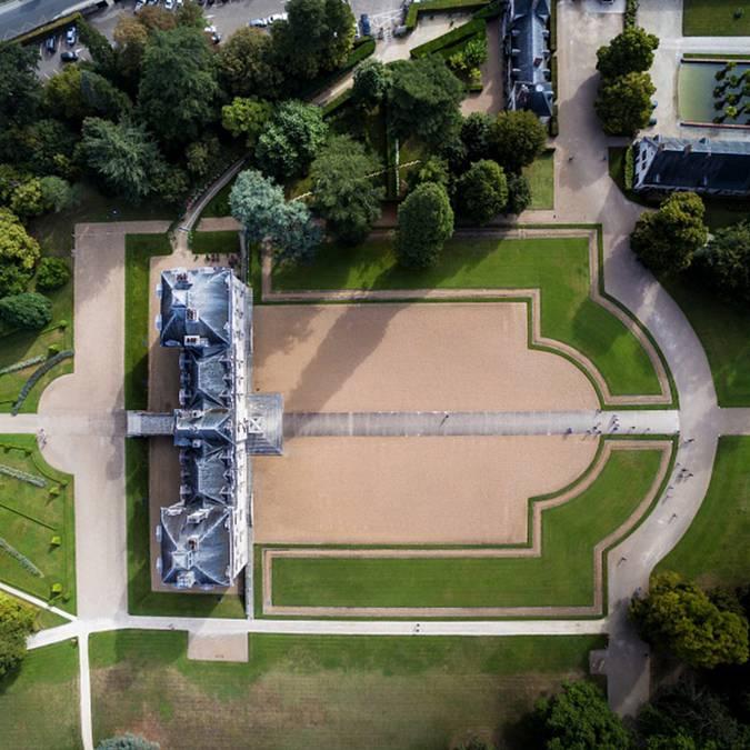 Die Anlage von Cheverny aus der Luft gesehen