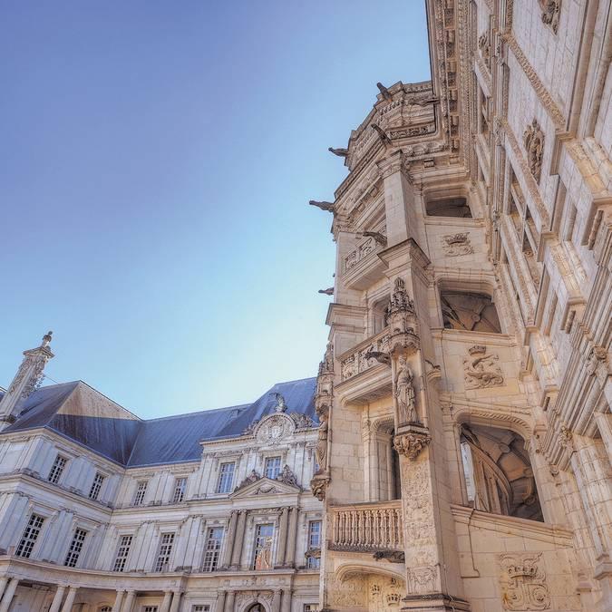 Die Treppe François 1er des königlichen Schlosses in Blois © L. de Serres
