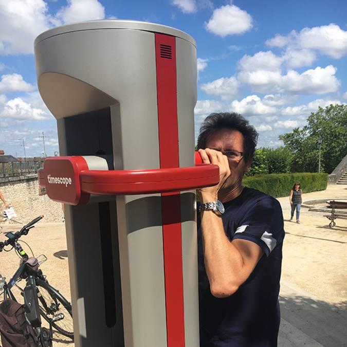 Die virtuelle-Realitäts-Säule in Blois
