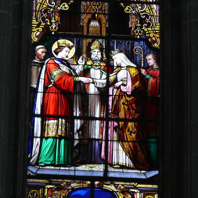 Die Glasfenster der Kathedrale von Blois