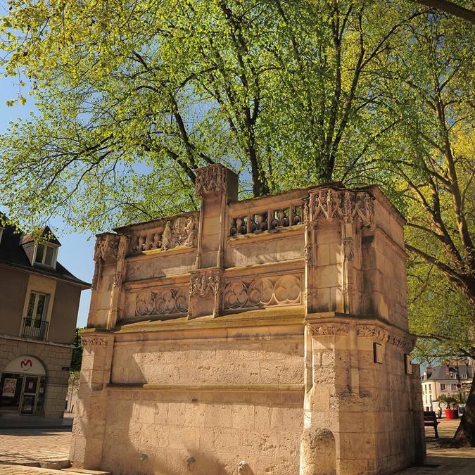 Der Brunnen Louis XII.
