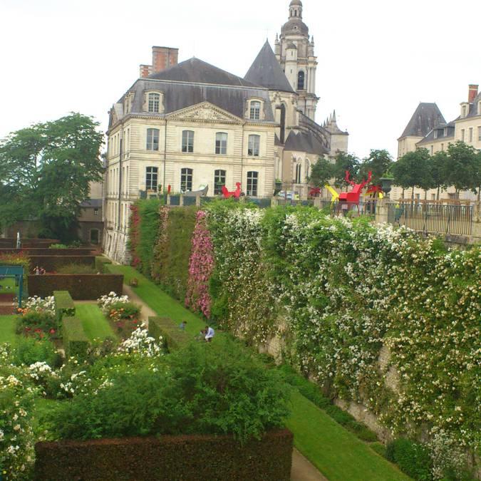 Der Garten des Bischofssitzes in Blois  © OTBC