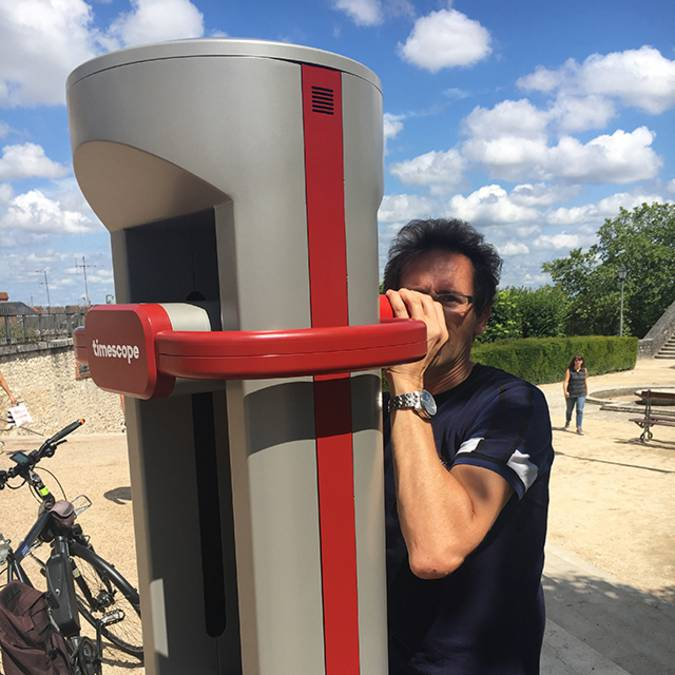 Das Blois Virtual Reality Terminal