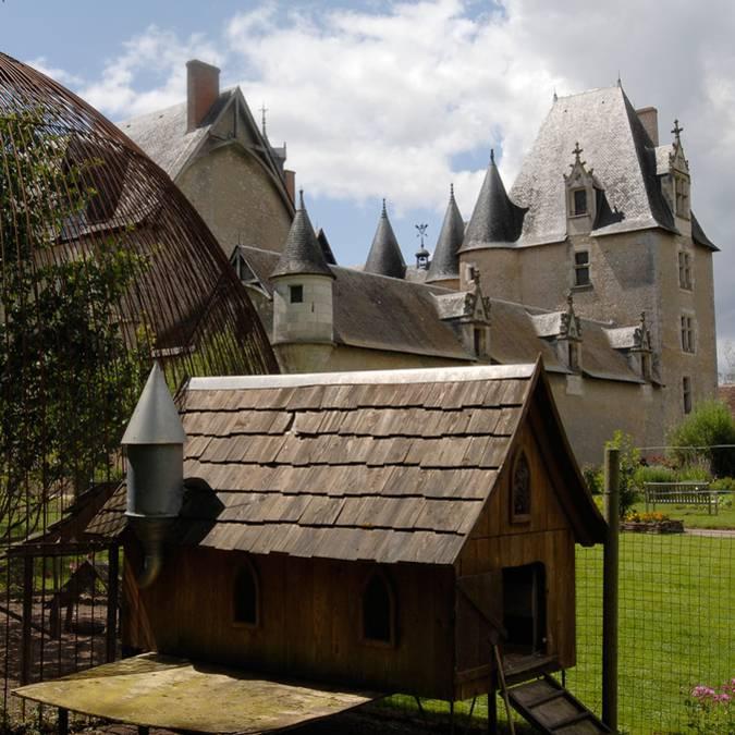 Der Hühnerhof im Schloss von Fougères-sur-Bièvre