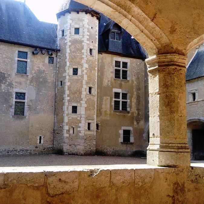Die Galerien des Schlosses von Fougères-sur-Bièvre